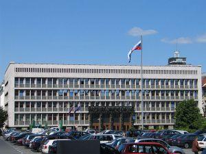 25_2Slovenia_Slovenski parlament__Vinko Glanz