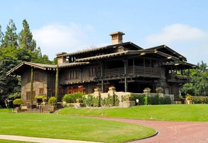 2-gamble-house-pasadena-1908-geen-brothers